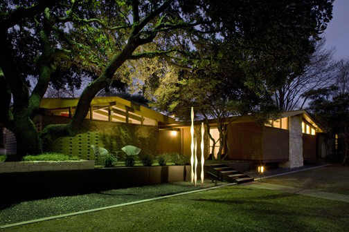 mid century modern homes landscaping